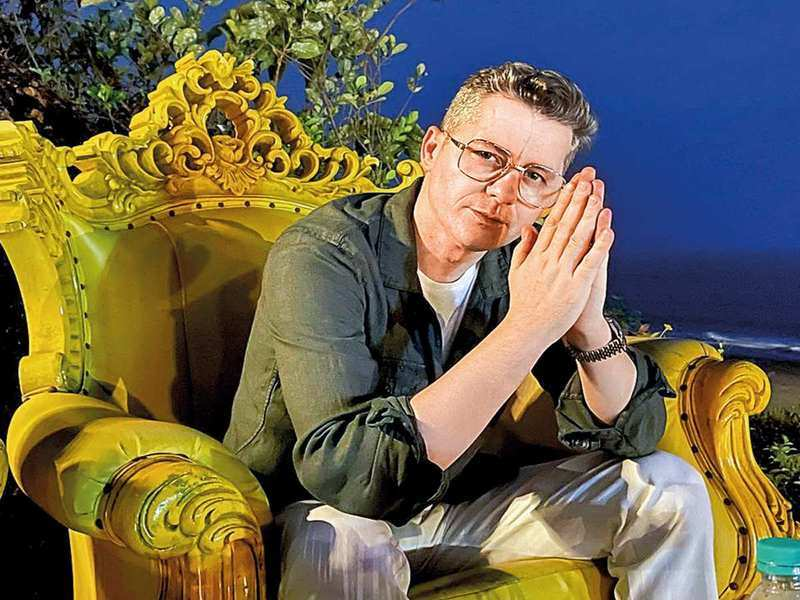 The situation in India is deeply saddening: Akcent