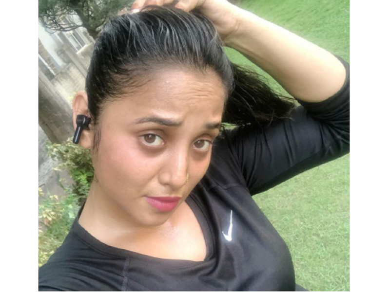 Rani Chatterjee gets back to her workout routine; shares a selfie