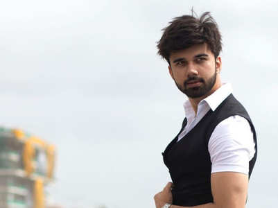Avinash Mukherjee's well-groomed looks