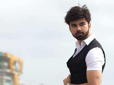 Avinash Mukherjee's well-groomed looks