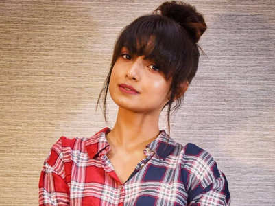Imlie's Mayuri has a chic and trendy style