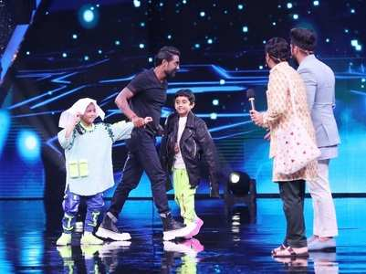 Remo is impressed by Sanchit & Florina's act