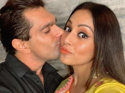 Pics: Bipasha & Karan's mushy moments