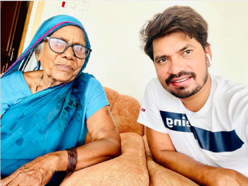 Pravesh Lal Yadav spends time with his mother