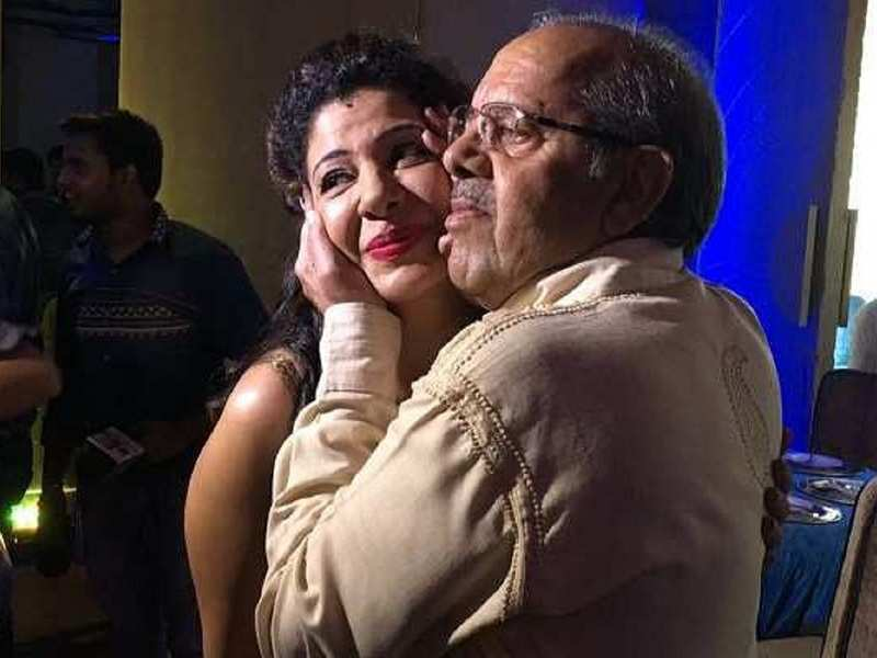 Sambhavna Seth's father tests positive for Covid-19; she urges for a hospital bed