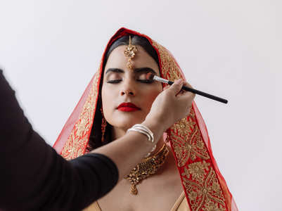 Popular makeup artist shares handy tips to glow on your wedding day