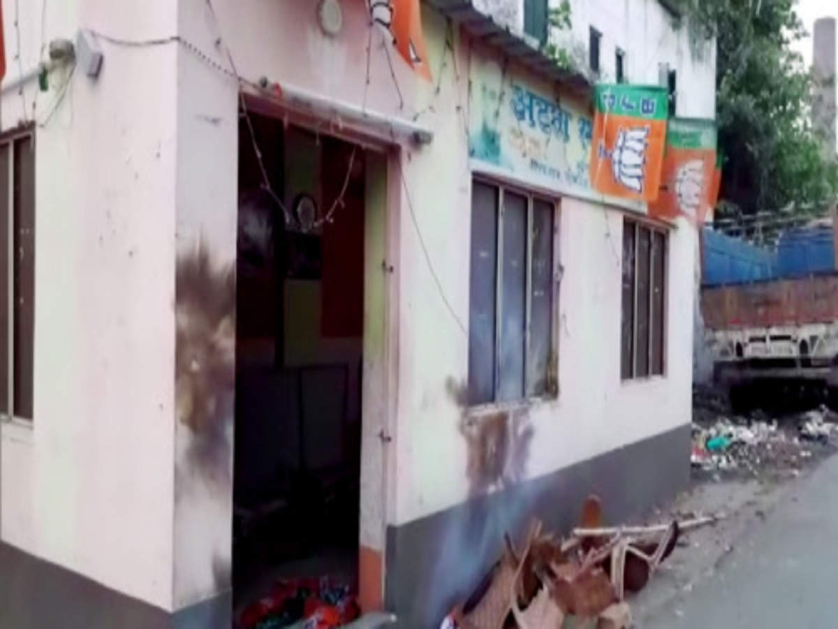 Bengal violence: 12 BJP workers killed, Nadda leaves to be with victims' kin 1