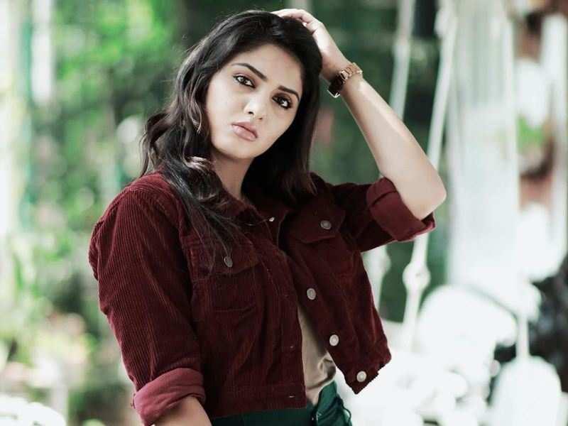 Actress Gayathri Suresh reveals her favourite contestants of Bigg Boss Malayalam 3