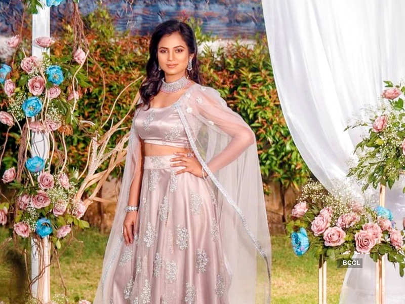"""Bigg Boss Tamil 4 fame actress Ramya Pandian's sister Sundari shares an update on the former's health condition; says, """"She is doing good"""" (Photo - Instagram)"""