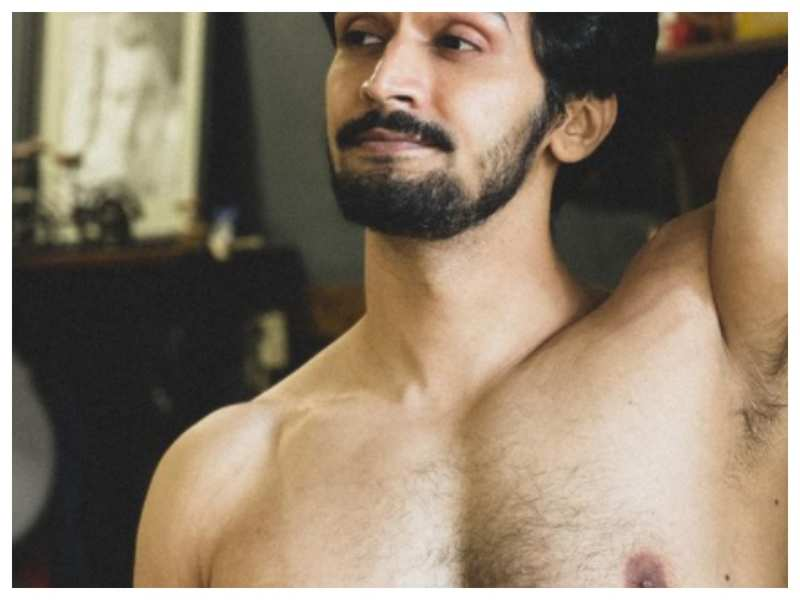Bhushan Pradhan shares a stunning shirtless picture, leaves fans in awe