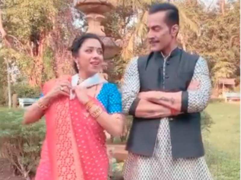 Anupamaa's Rupali Ganguly and Sudhanshu Pandey dance on Aati Kya Khandala in this fun BTS video; watch
