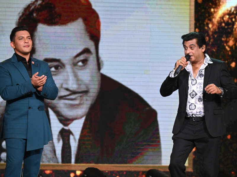 Indian Idol 12: Amit Kumar graces the stage for father Kishore Kumar's 100  songs special episode - Times of India