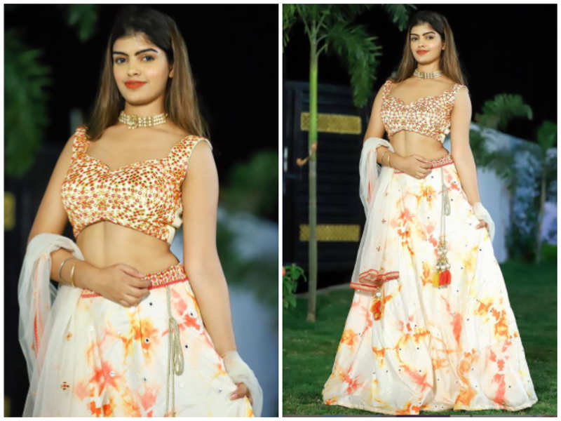 Prachi Singh is a vision in white as she goes traditional