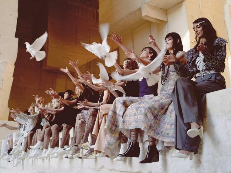 Chanel goes rock in catwalk show