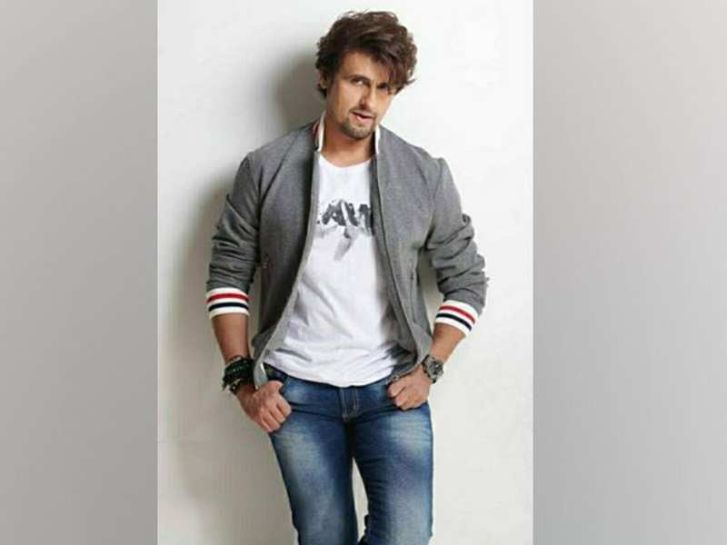 Sonu Nigam donates blood, urges youth to do the same to avoid shortage