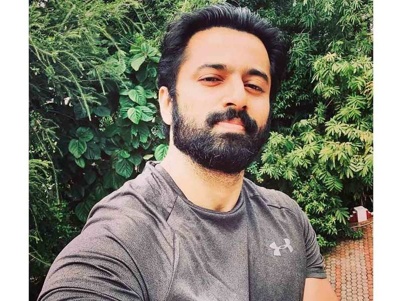 Unni Mukundan posts support to delivery boy who was treated roughly