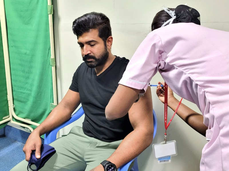 Arun Vijay gets first dose of COVID-19 vaccination
