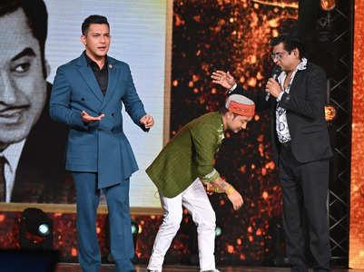 Indian Idol: Amit Kumar's gift to Pawandeep
