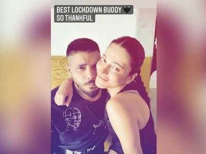 Shruti calls beau Santanu her lockdown buddy