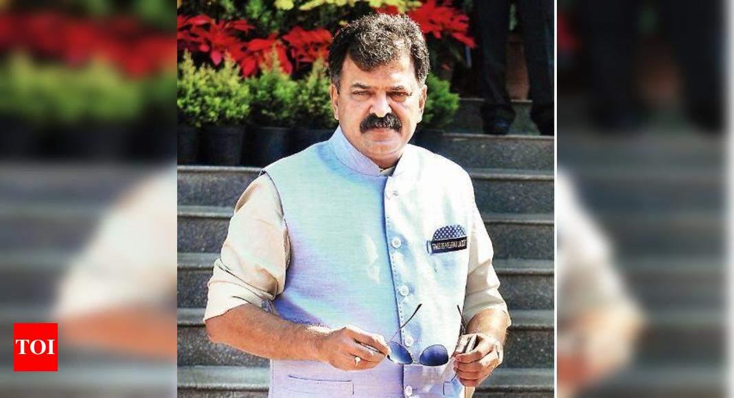 Maharashtra appeals to realtors to help vaccinate slum tenants