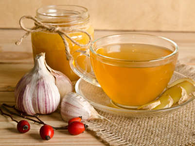 Ginger garlic turmeric tea to boost your immunity