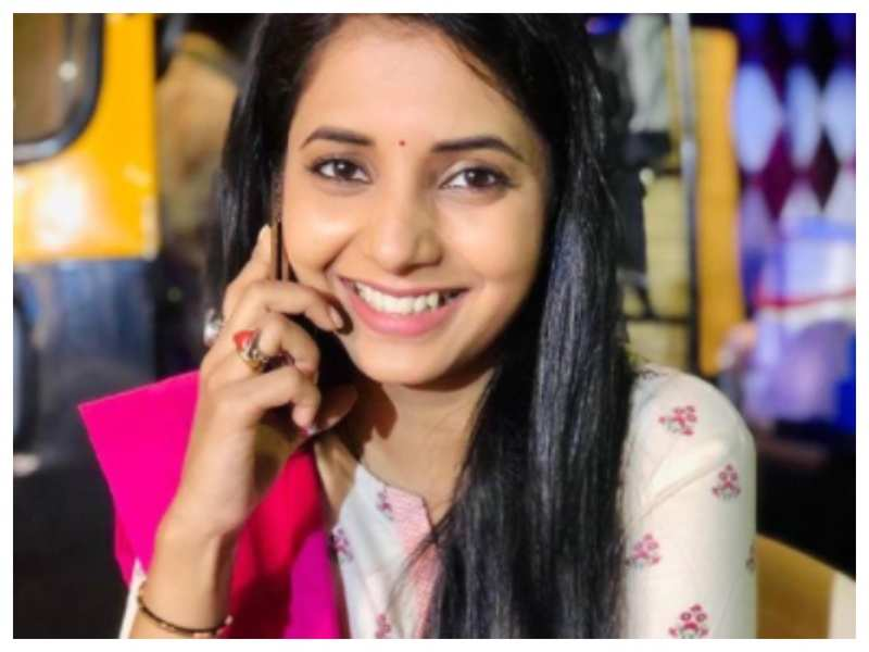 Sayali Sanjeev looks simply beautiful in her latest picture