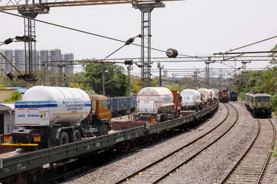 Railways has delivered 2,960 tons of liquid oxygen to the states | India News