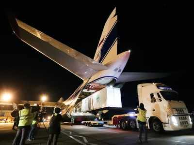 The world's largest cargo plane leaves the UK with 3 oxygen units for India | India News