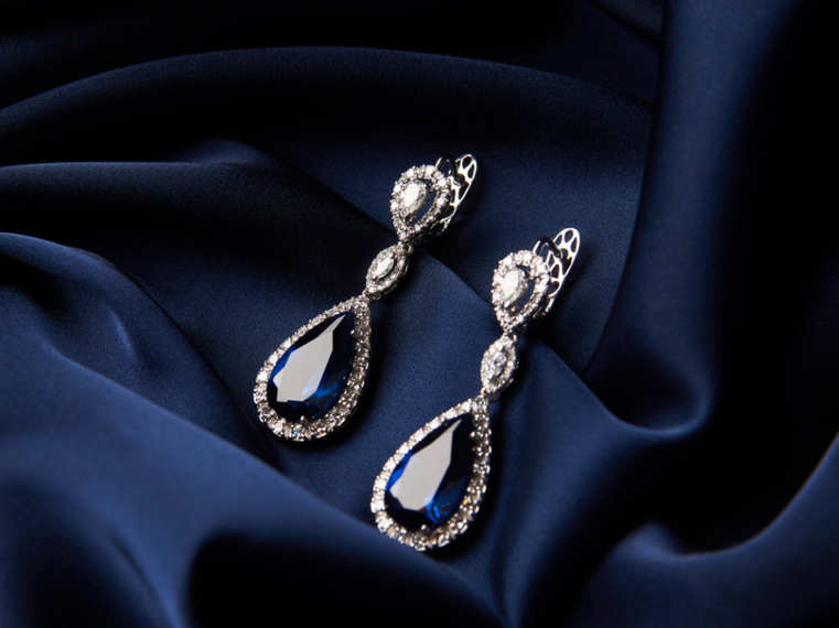 Best jewellery pieces for your mother