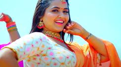 Kajal Raghwani starrer song 'Sarkela Chunari' is out!