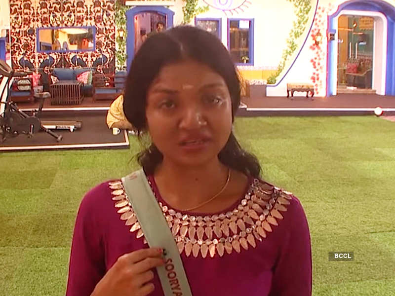 Bigg Boss Malayalam 3: Soorya Menon requests Bigg Boss to let her quit the show; says, 'I have completely lost it'