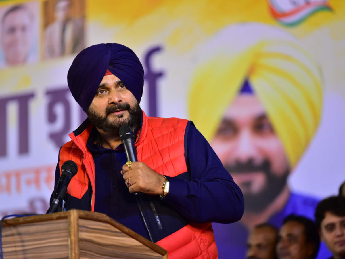 Amarinder Singh Writes To Sonia Gandhi Expressing Concerns Over The Appointment Of Navjot Singh Sidhu As Punjab Congress Chief