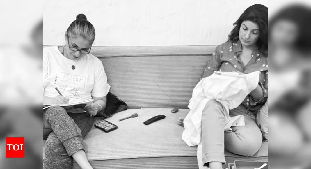 Twinkle Khanna gives a glimpse of her Mother's day celebration with mommy Dimple Kapadia – Times of India