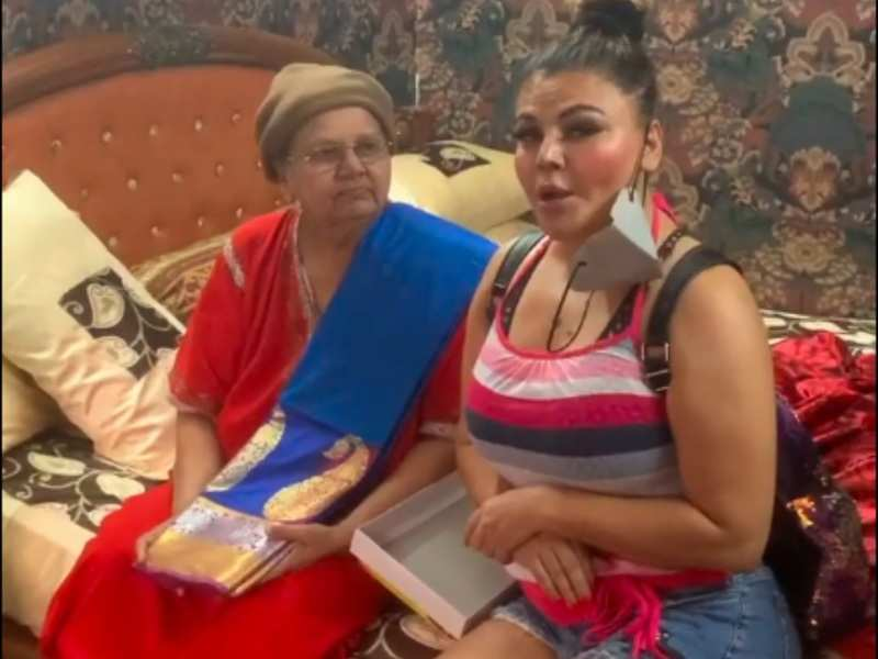 Rakhi Sawant gifts her mom a beautiful silk saree on Mother's day; asks fans not to wish their mothers online but personally