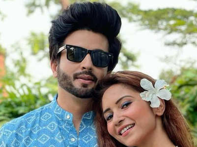 Dheeraj Dhoopar, Vinny's cute pics from Goa