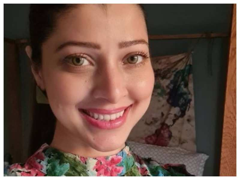 Tejaswini Pandit's infectious smile in her latest post is sure to ward off your Monday blues!