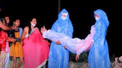 Gunjan Singh's sad song 'Karonava Leta Janava' will leave you emotional amid COVID-19 pandemic