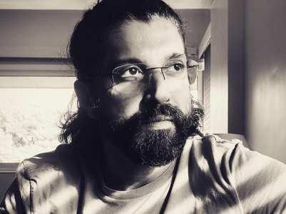 Farhan Akhtar slams a Twitter troll