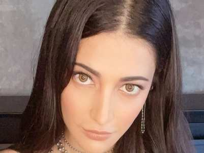 Check out Shruti Haasan's style file