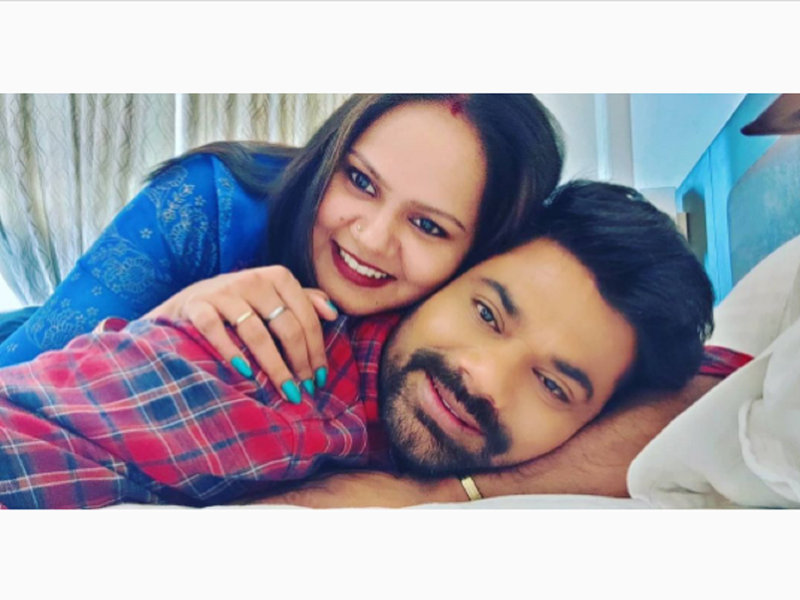 Dev Singh celebrates his third marriage anniversary; shares an adorable photo with his wife Sonam