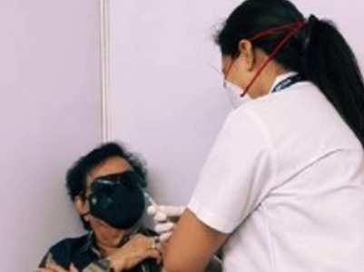 Shatrughan Sinha receives COVID vaccine