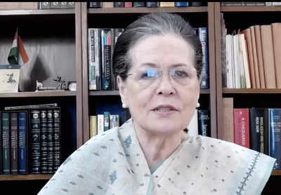 Sonia Gandhi took note of the opinion of 'Saamana' on the polls of the Assembly: Shiv Sena   India News