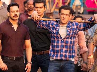 Radhe: Salman fans throng Dubai theatre