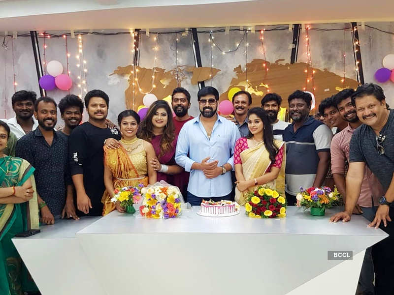 Neethane Enthan Ponvasantham completes 300 episodes; Jai Akash thanks everyone for the support (Photo - Instagram)