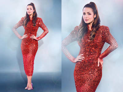 Malaika looks ravishing in Zuhra dress