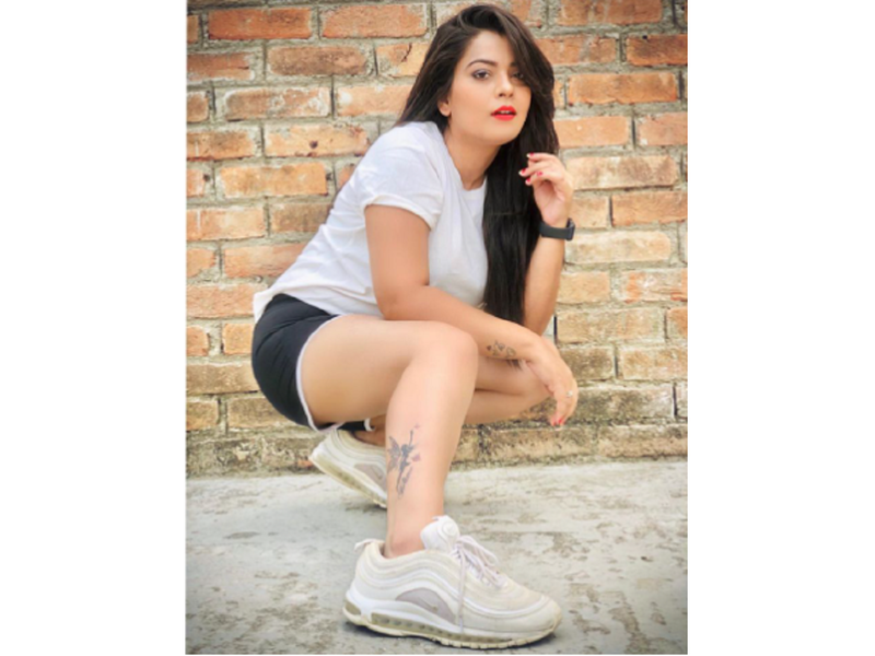 Nidhi Jha looks pretty in her latest cool post