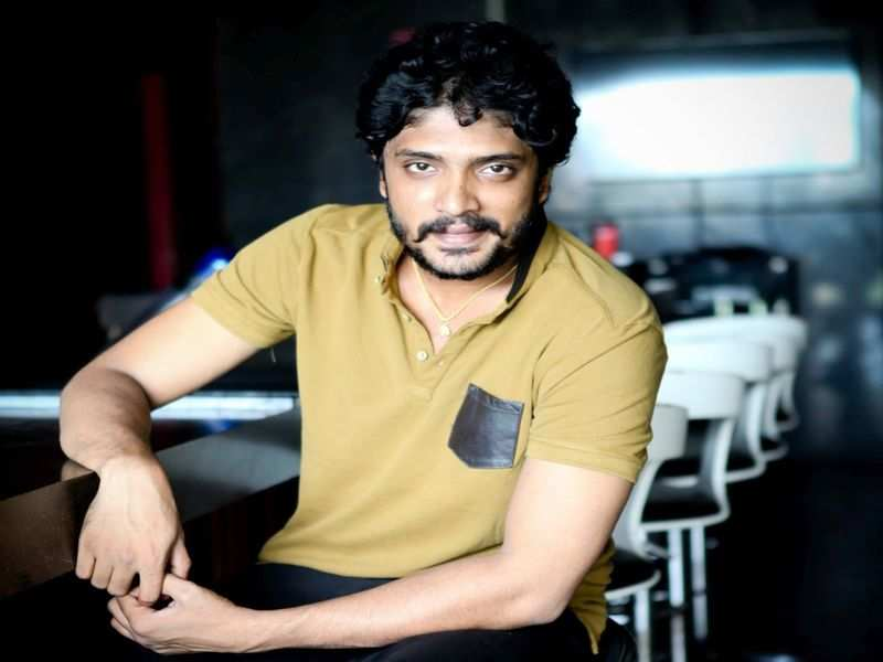 Vasishta N Simha puts the spotlight on the plight of daily-wage workers in the film industry during the pandemic