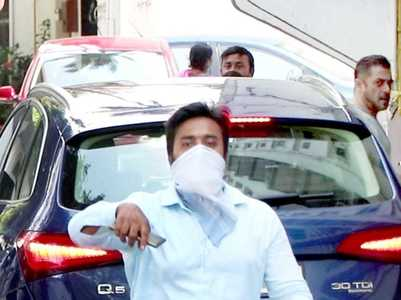Salman Khan arrives at his house for Eid