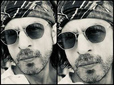 SRK extends Eid wishes with a stylish pic