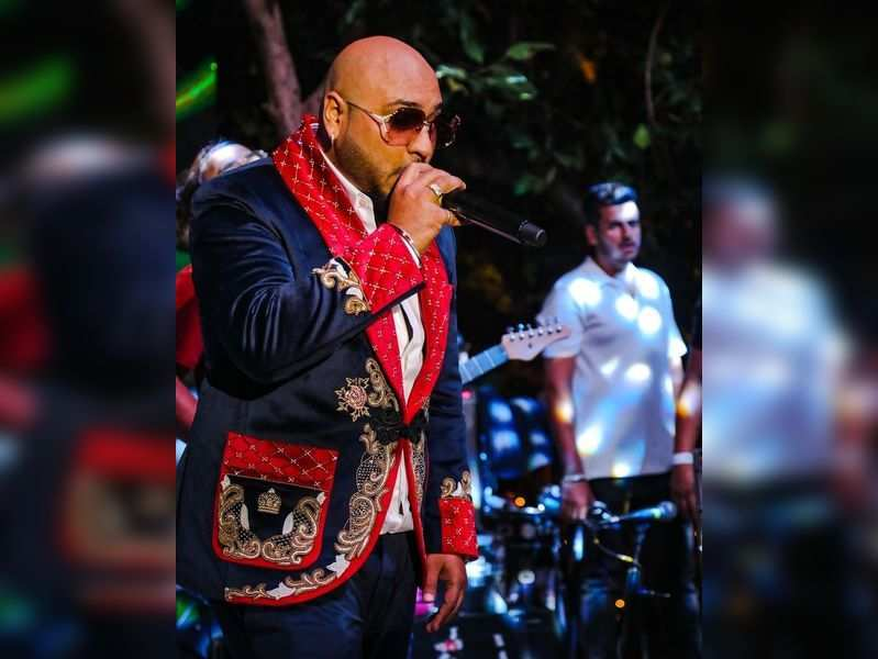Singer B Praak shared an old photo from his previous live show